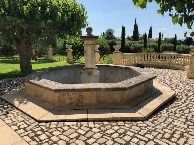 Margelle piscine et bassin vieille pierre